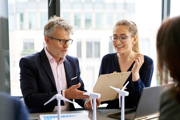 business-people-during-business-meeting-5LPY2LY-1.jpg